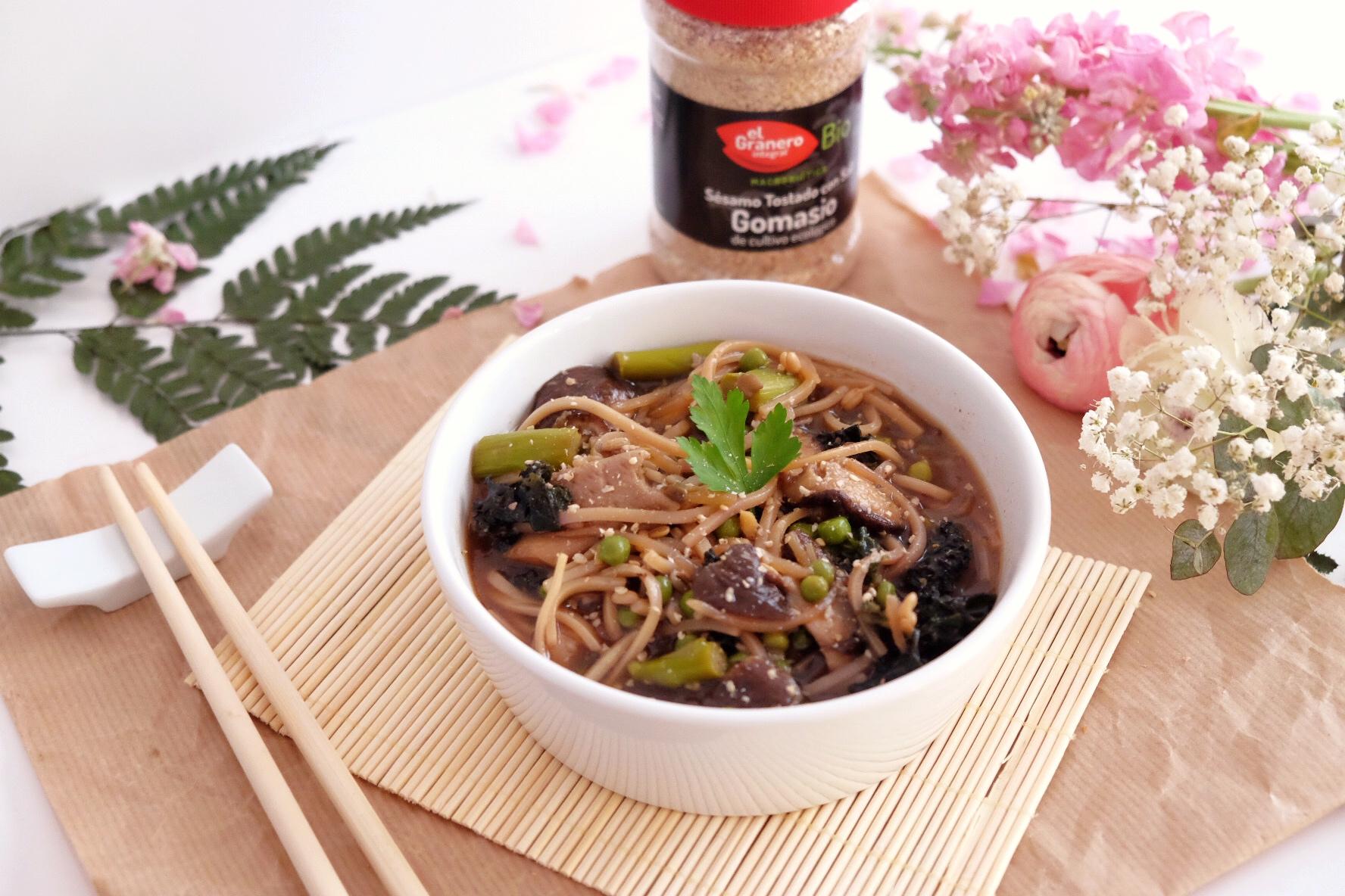 Recette facile nouilles asiatiques et soupe miso - Soupe miso ingredient ...